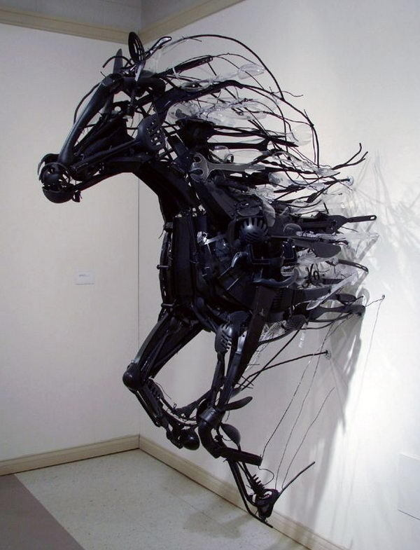 Horse Installation Art from Discarded Plastic #horse #art #installation