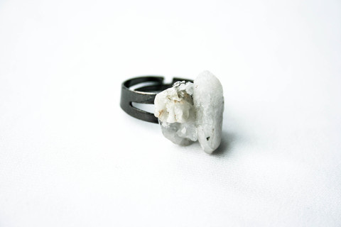 "DÄ""śī Mix #raw #crystal #rock #design #pulse #jewelry #parallel"