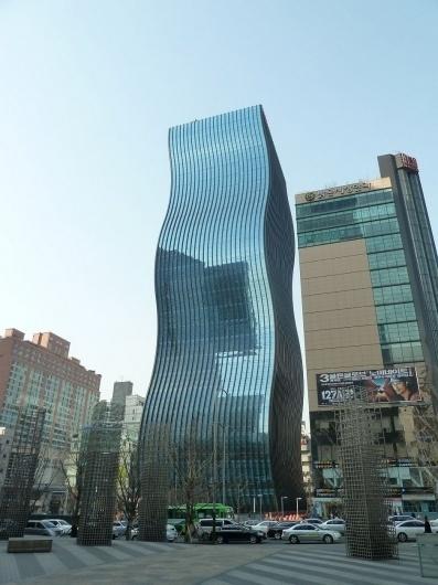 gt_250311_01 » CONTEMPORIST #bendy #building #architecture