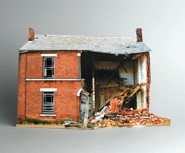 brokenhouses-25 #sculpture #house #art #broken #miniature