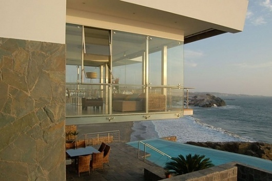 Onestep Creative #modern #contemporary #pool #architecture #minimal #peru