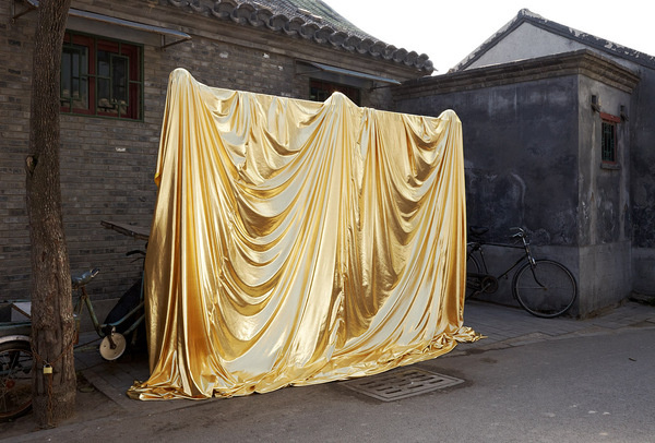 Roderick Hietbrink #draped #gold