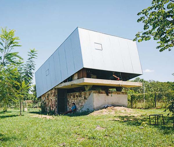 Pin Hole House / Caja Oscura / Javier Corvalán #architecture