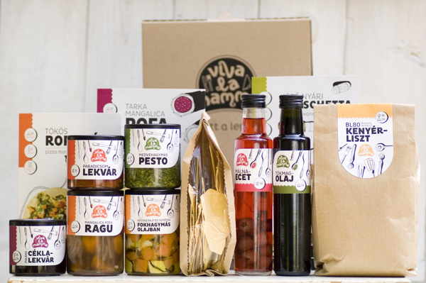Viva la mamma on Packaging Design Served #packaging #food #label