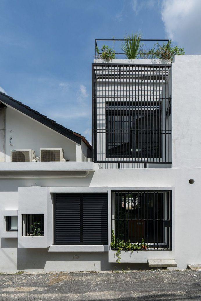 Minimalist Single Storey Terrace House by Fabian Tan Architect 1