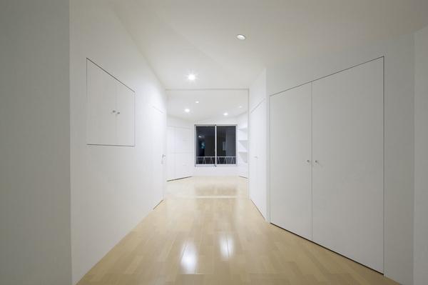 Seismic Renovation by NAAD #modern #design #minimalism #minimal #leibal #minimalist