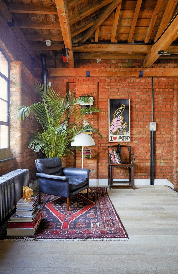 Tower Bridge London Apartment in a Converted Victorian Leather Warehouse 23