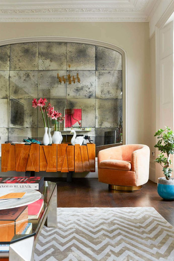 Georgian Terraced House Gets Delicate Restoration with Retro 70s Glamor 6, living