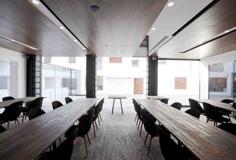 Dezeen » Blog Archive » The Waterhouse at South Bund by NHDRO #restaurant
