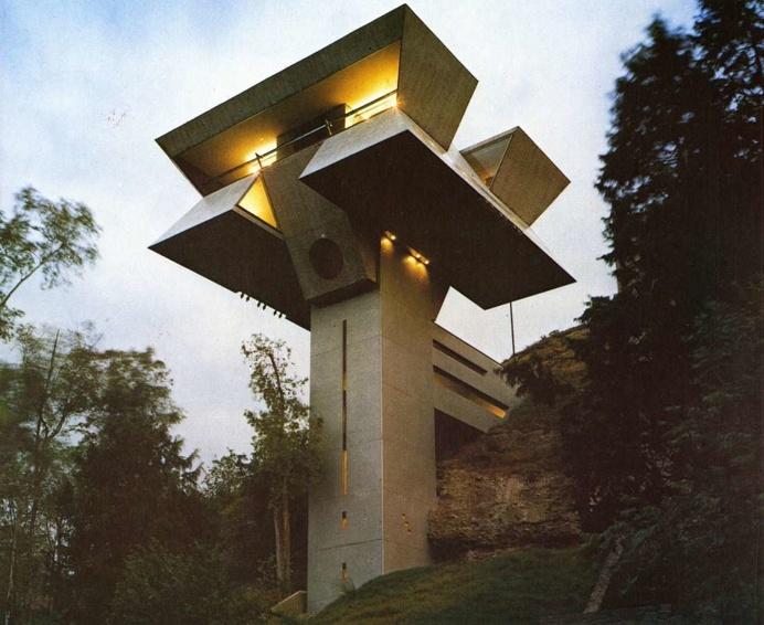 Agustín Hernandez's home in Mexico City