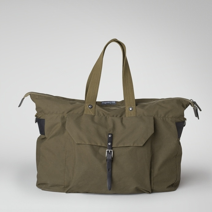 Ally Capellino | Waxed cotton weekend bag in olive | Ally Capellino #ally #olive #bag #capellino #weekend