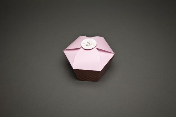Corporate Identity #branding #packaging #cupcakes #treats #sweet
