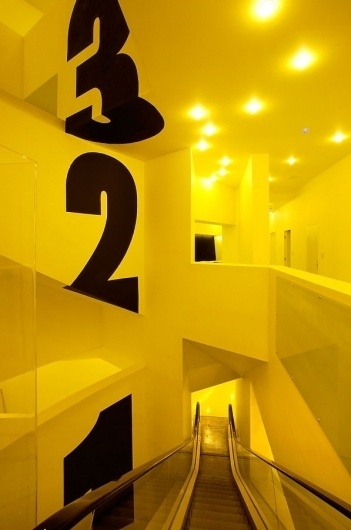 GOLLY ± BOSSY — DESIGN HOSTEL — Galerija — Mi #wayfinding #hotel #signage #signwriting