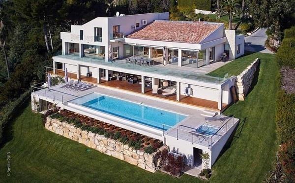 Massive Contemporary 6 Bedroom Estate in Cannes: Villa Chamade #architecture #contemporary