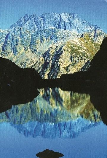 Scissors #mountian #nature #photograph #reflection