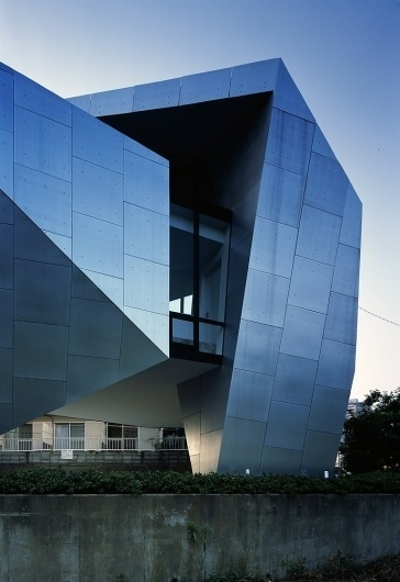 House in Wakabadai | OpenBuildings #steel #house #in #architects #okada #tokyo #building #architecture #wakabadai #satoshi