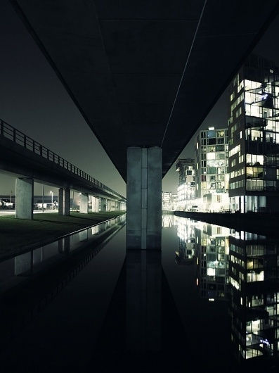 565461202681686.jpg (JPEG Image, 600x800 pixels) #holtermand #city #kim #reflection #dark
