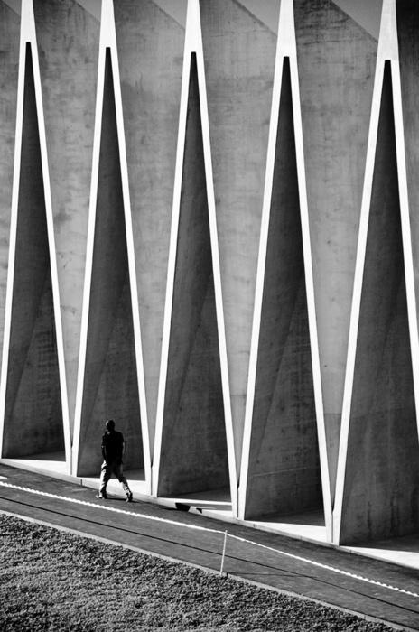 留些美妙的细部给自己03_匠人天下 #concrete #structure #architecture #shadow #folded #light #plates #facades