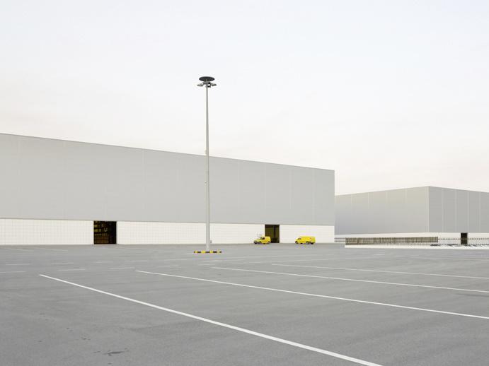 Henrik Spohler — In Between #minimalism #inspiration #photo #inspire #clean #white