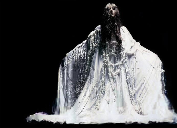 Anthony Maule – Dafne Cejas • Dark Beauty