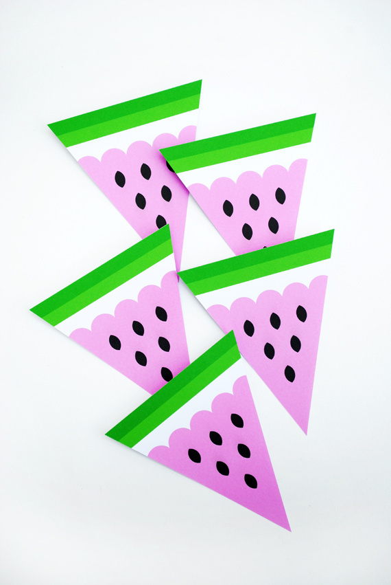 DIY Watermelon Bunting #shop #fruit #window #paper #decoration
