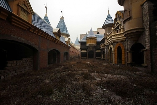 China's deserted fake Disneyland | Photographers Blog #photography #china #weird