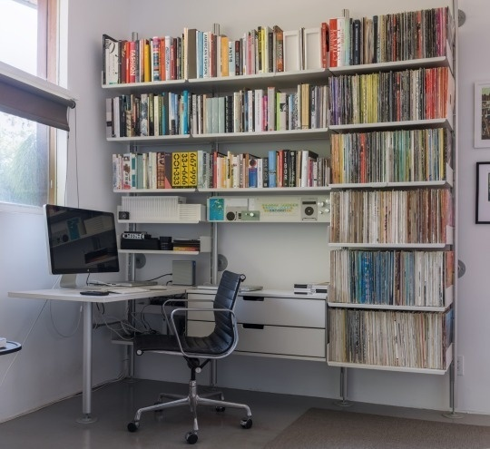 606 shelving system. Dieter Rams. #shelves #interior #design #desk #workspace