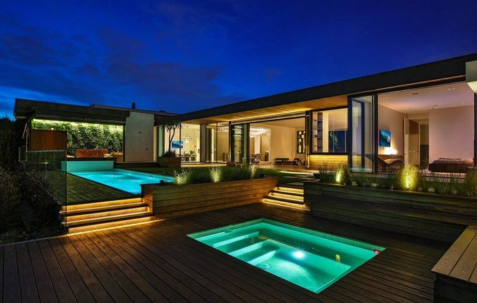 Trousdale House: Complete Renovation and Addition to the Existing Home 12
