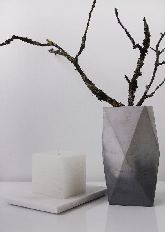 Marbled concrete vase by frauklarer #interior #vase #concrete #marbled #frauklarer #concretevase #marble #marblelook #cement #decoration
