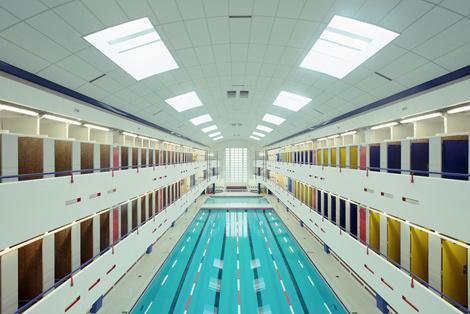 Фотограф Franck Bohbot #interior #water #pool #architecture #blue