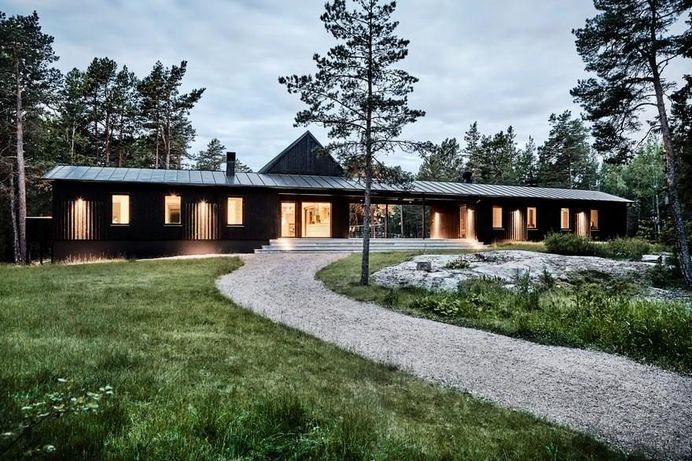 Swedish Summer House Combines Japanese Simplicity with Scandinavian Cottage Traditions 11