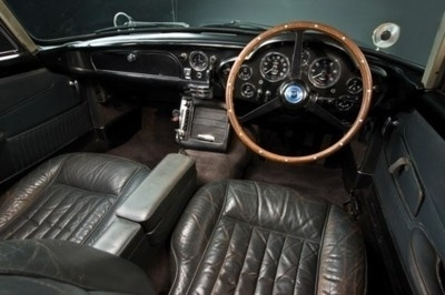 livin' fast. #old #classic #brown #european #leather #car