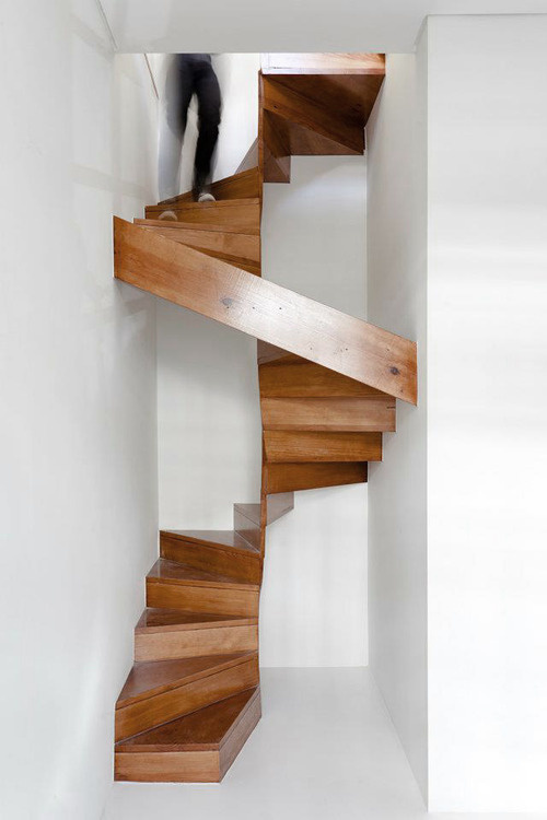 CJWHO ™ (Rebuilding of Restauração House by EZZO César...) #white #design #spiral #wood #architecture #stairs