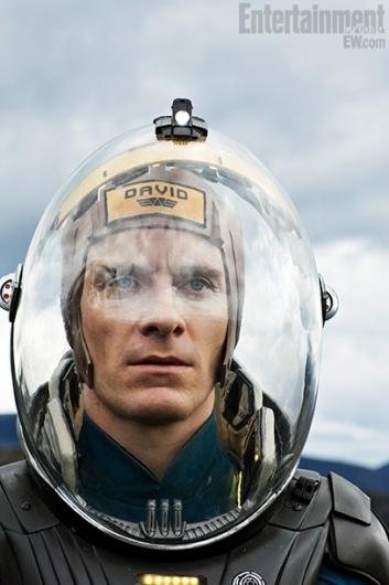 Prometheus EW 14 | /Film #alien #film #david #prometheus #sci #space #fi #android #fassbender #suit
