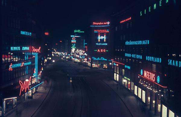 Kungsgatan, Stockholm. 1944. #neonlight #city #lights #night #light #neon