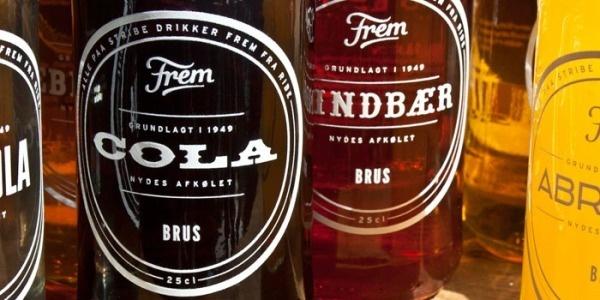 07-05-12-frem2.jpg 700×350 pixels #logotype #lettering #bottle #packaging #design #frem #type #soda