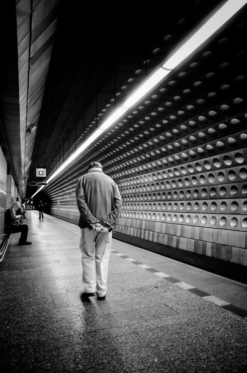 CJWHO ™ (Walk The Line by Martin Hricko) #white #black #subway #photography #and