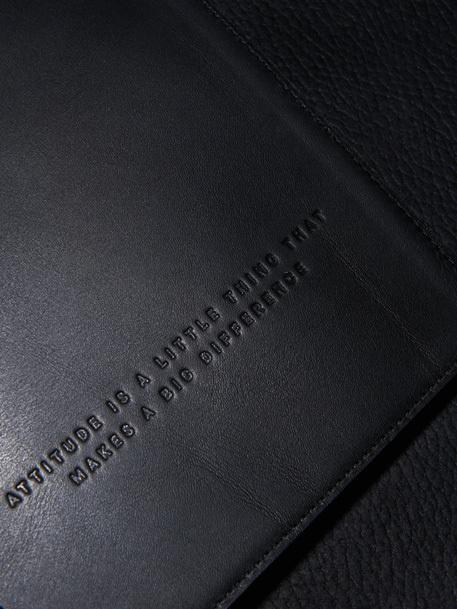 http://deutscheundjapaner.com/ #embossing #leather