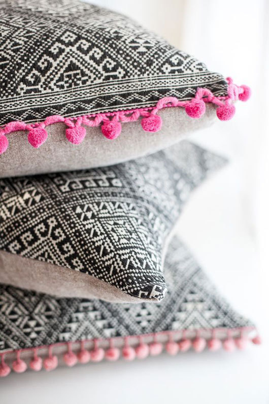 non perishable pink and black pillows #interior #design #decor #pillows #deco #decoration
