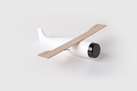 Varia — Design & photography related inspiration #white #design #best #product #plane #fly #minimal #beautiful #toy