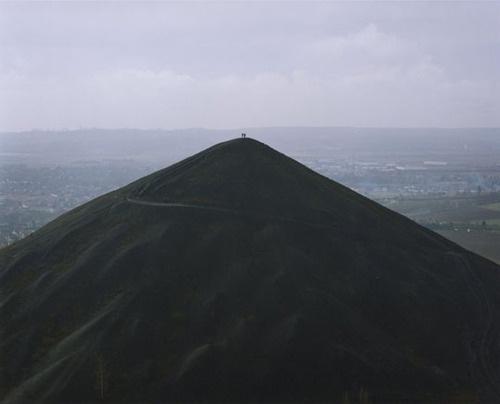 this isn't happiness™ (Naoya Hatakeyama), Peteski #mountain #couple #hill #landscape #hiking