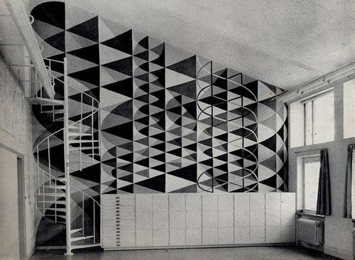 szakall:tellthetruthhomie:sonofmyfather:eric h olsen #interior #wall #geometry