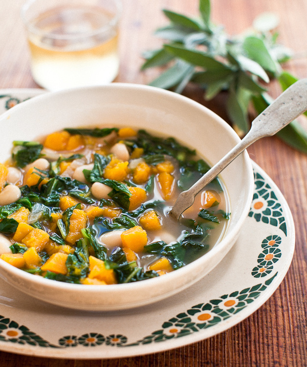 Yummy Supper: BUTTERNUT SQUASH SOUP WITH CANNELLINI BEANS + GREENS #food