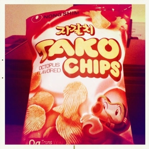 http://singyamatokun.tumblr.com/post/5476354520/tako-chips #chips #tako