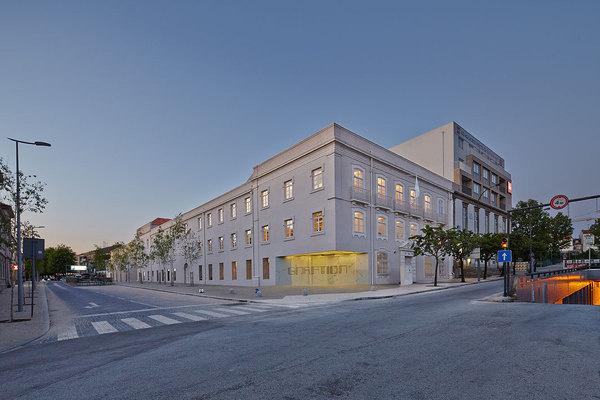 Carvalho Araújo | GNRation #public #arajo #equipments #architecture #carvalho