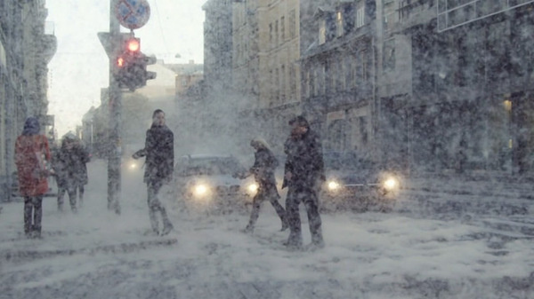 Guerilla Creative Collective Kut Brings Unexpected Weather to the Streets of Riga #photo