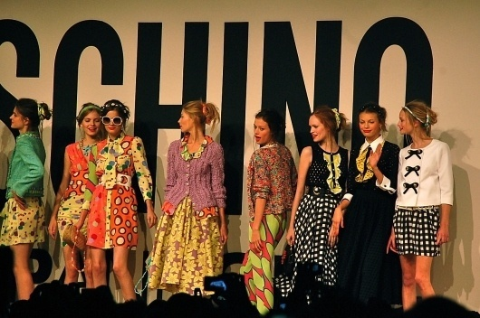 Google Image Result for http://2.bp.blogspot.com/_DeverIwvj9g/TKHFj3jSKnI/AAAAAAAAbnE/RvYatjMtODw/s1600/DSC_0892.JPG #fashion #color #pattern #textile