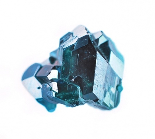 dioptase-600p.jpg 667×600 pixels #gems #carly #waito #painting #art
