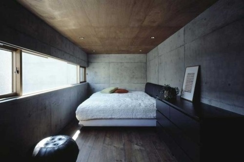 Mylo Xyloto #concrete #bedrooms #home #drawers #wood #architecture #bed #window #light #room