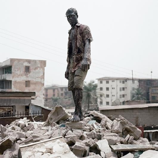 nollywood_04.jpg (900×899) #africa #horror #photography #pieter #nollywood #hugo #dark